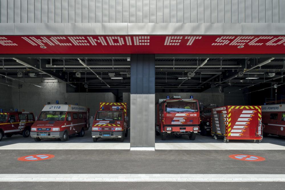 Architram – Caserne des pompiers